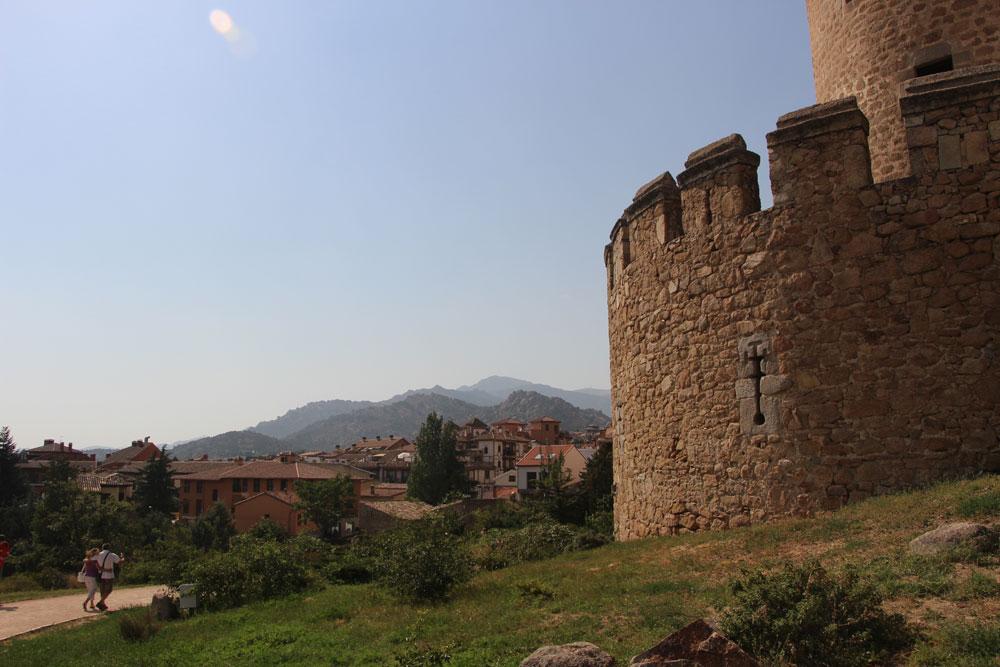 マンサナーレス・エル・レアル城