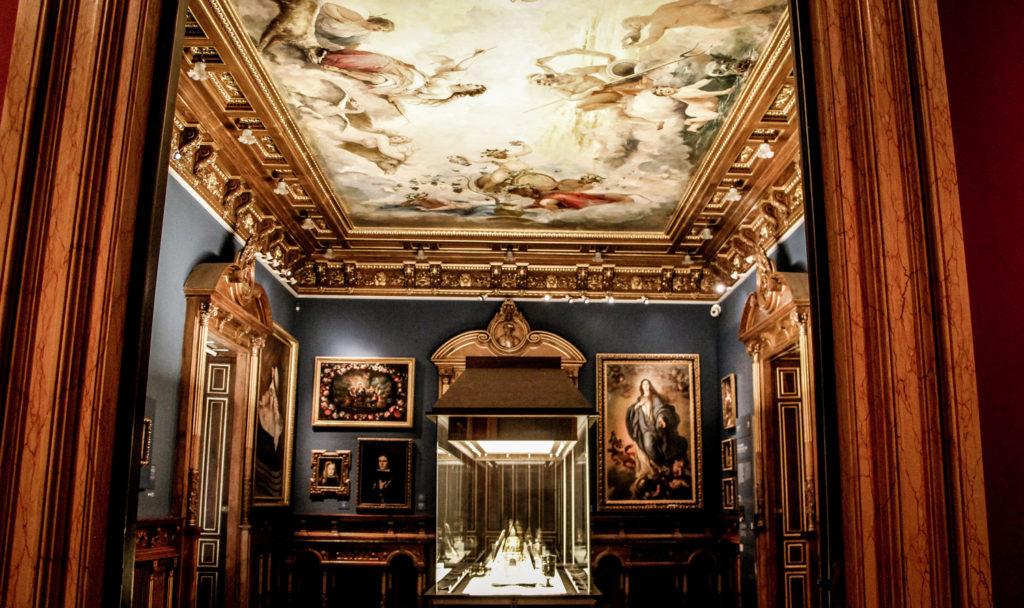 ラサロ・ガルディアーノ美術館 館内