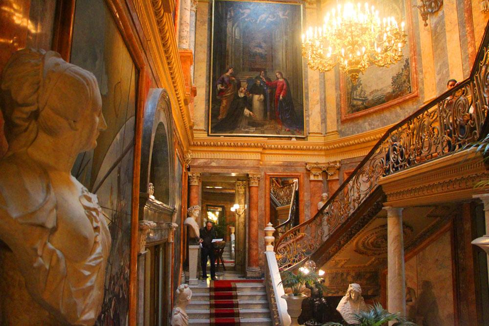 セラルボ美術館 主階段